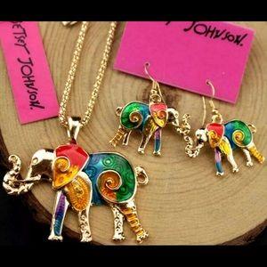 BETSEY JOHNSON~ Elephant Necklace Set